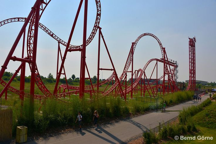 The red roller-coaster HURACAN is one of the highlights of Belantis. © Bernd Görne