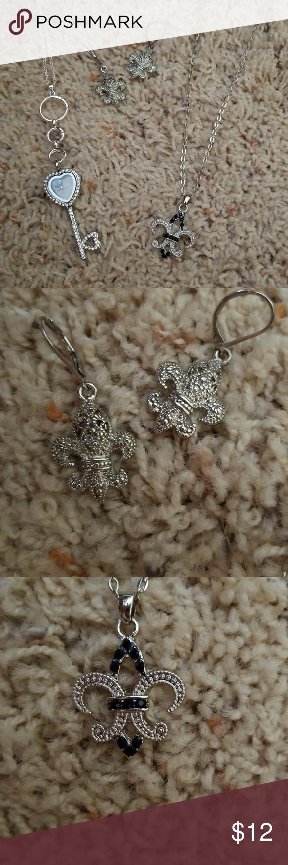 Fleur de lis jewelry 1 pair of earrings and 2 necklaces. Great if you're a KKG. Jewelry