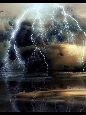 lightning arch reflection