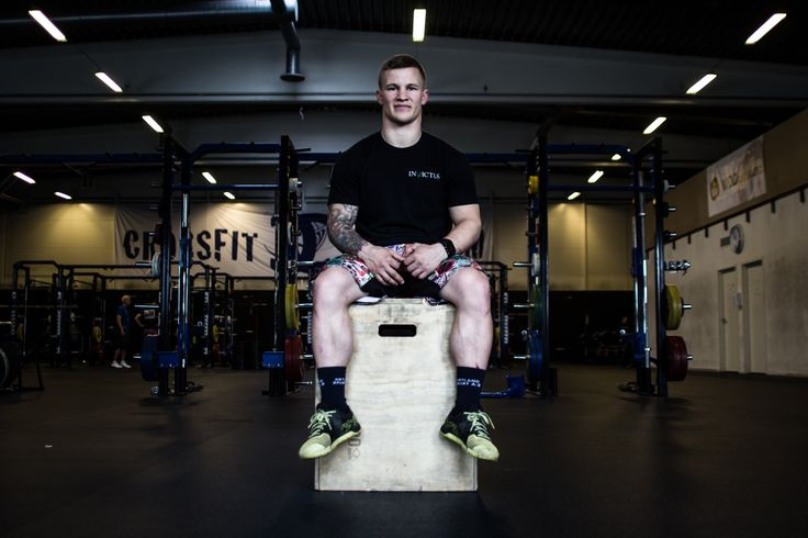 Crossfit-utøver Anders Grønsund viser deg tre effektive øvelser.