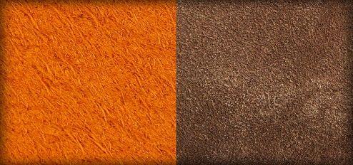 """Le nubuck et le cuir velours sont regroupés sous le terme de """"cuir suédé"""". Le cuir suédé se distingue par le fait que sa surface a été poncée, ce qui produit un effet velouté au toucher. Pour le nubuck, le côté grain est poncé. Ceci entraîne l'apparition d'un tapis de poils très fins sous lequel le grain du cuir reste souvent reconnaissable. Ce grattage entraîne une surface plus vulnérable face aux taches, à la graisse et à la lumière du soleil, c'est pourquoi le cuir pâlit très facilement."""