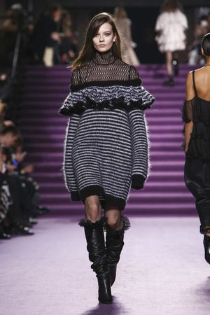 LIVESTREAMING: The Philosophy di Lorenzo Serefini Fashion Show, ready-to-wear collection Fall Winter 2016 runway show in Milan