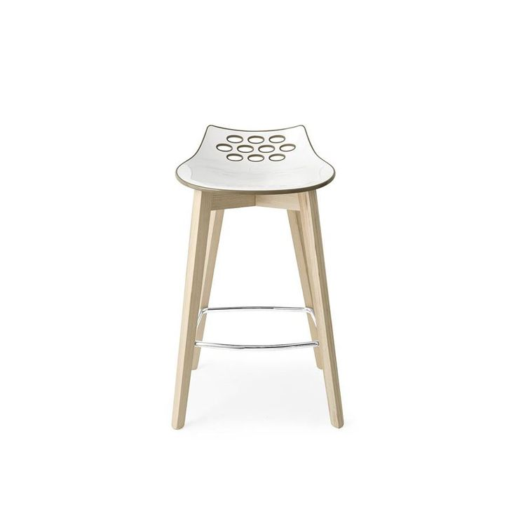Sgabello legno con seduta plastica Connubia Calligaris Jam W CB/1485 - Si caratterizza dal design moderno e creativo, disponibile in tante combinazioni di colori diverse.
