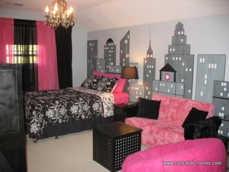 this teen girls bedroom features the nyc skyline the pink colors make this the perfect room for a wannabe fashionista girly girl