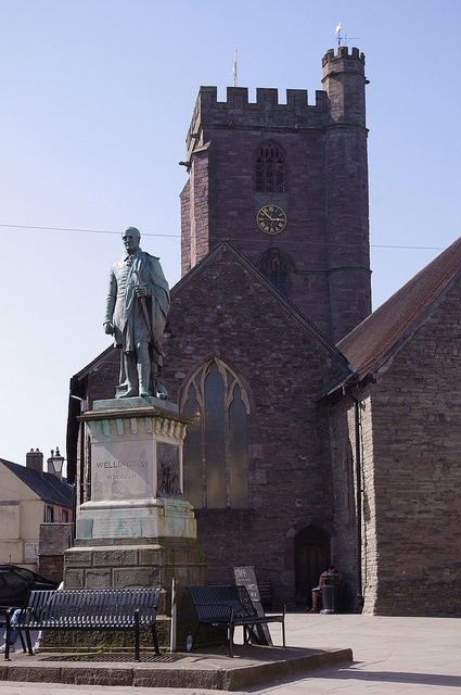 Statue to the Duke of Wellington    Brecon, Powys, Wales