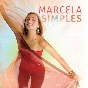 J'ai découvert la voix de Marcela Mangabeira via ses vocalises sur l'album Ipanema Ipanema Lounge (2004) du groupe Bossacucanova. Marcela Mangabeira a commencé sa carrière de chanteuse en 1998 et elle a fait des tournées à travers l'Europe avec le groupe...