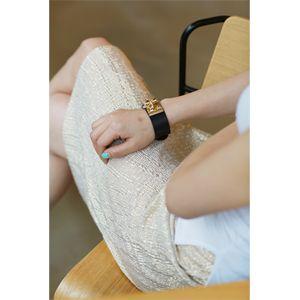 【Lemite】伸縮性のあるポリエステル素材を使ったHラインスカートです。 ナチュラルなしわ入り素材がスタイリッシュなアイテム☆ キラキラ光るゴールドとシルバーの2色展開に♪ ゴムウエスト使用で楽な履き心地が嬉しいゴージャス膝丈タイトスカート!