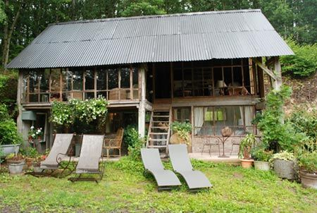 la cabane de jeanne, chambres d'hotes a ranes...really like this!