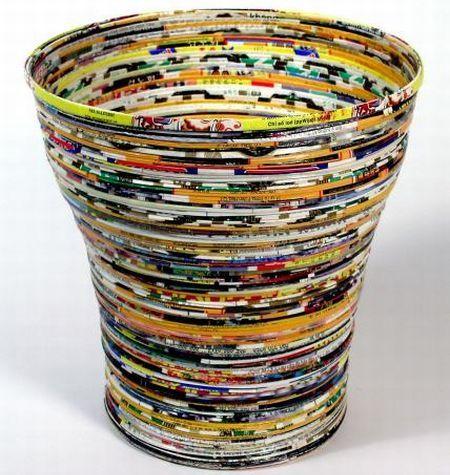 recycled paper baskets - http://creation-artisanale-dalgerie.over-blog.com/article-comment-faire-un-panier-avec-du-papier-journal-45826118.html
