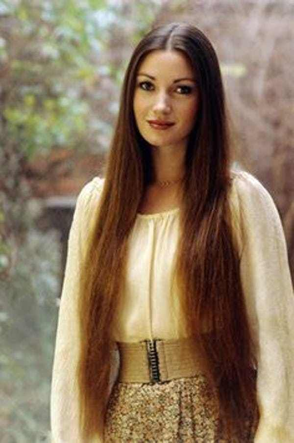 30 Pictures Of Young Jane Seymour With Images Long
