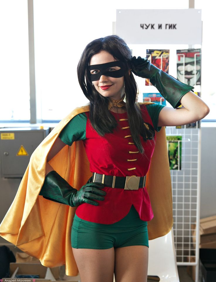 Robin (probably meant as a female Dick Grayson) at Comicon Russia by Agcooper73.deviantart.com #Rule63 #cosplay