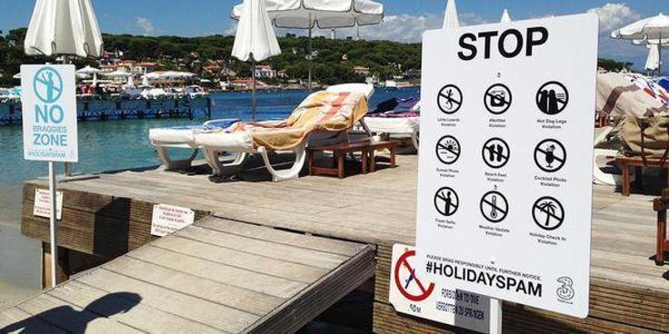 """Une zone """"selfies interdits"""" sur une plage de France. {Est-ce que vos élèves sont pour ou contre des zones """"selfies interdits""""?}"""