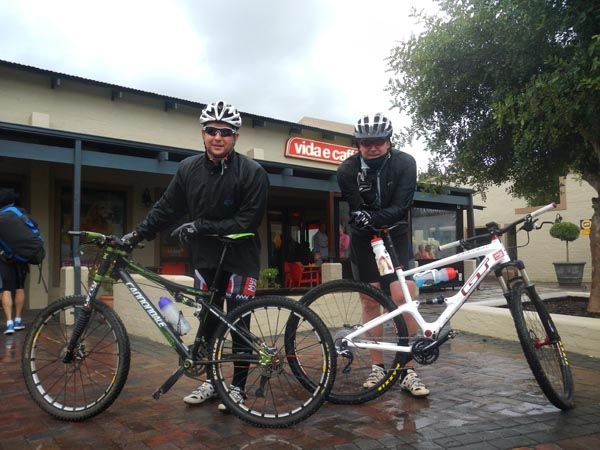 Cyclist in and out for a quick coffee at Vida Steenberg #vidacoffeerides