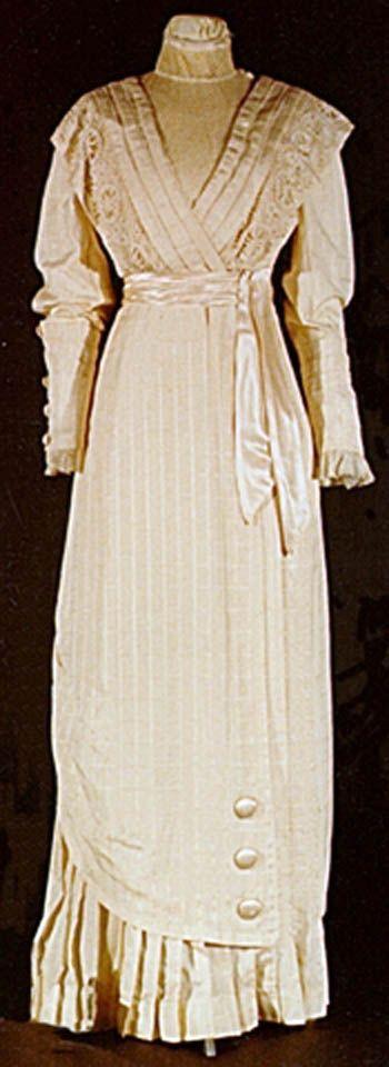 Wedding dress, Canadian, 1904 or 1908. Silk and wool. Univ. of Alberta