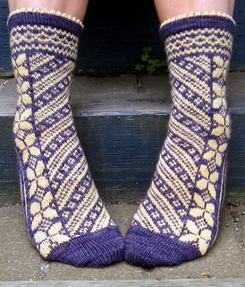 Butterflies are Free | stranded colorwork sock knitting pattern by Rose Hiver
