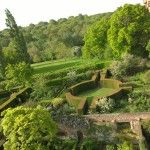 Sissinghurst on a cold morning. No-one else was around... which was lovely... http://modernmint.co.uk/ngs-sissinghurst/