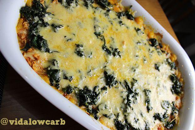 Receitas dieta Low Carb   Essa é daquelas receitas low carb que sustentam muito e matam a vontade de algo com bastante molho e queijo.