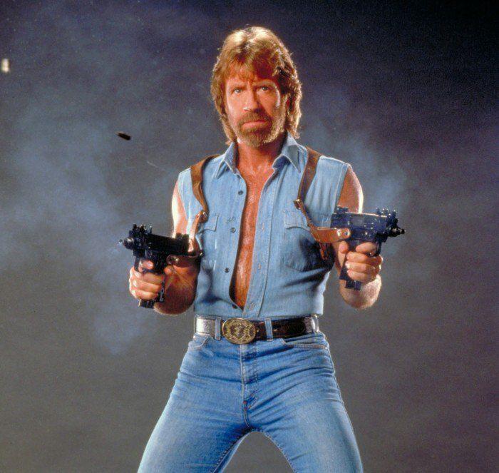 Ah Chuck Norris… Vous le connaissez sûrement pour son personnage à la virilité exacerbée dont il fait preuve dans ses films, particulièrement dans la série « Wal...