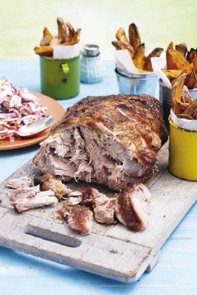 Recept Pulled pork met pittige coleslaw en zoete aardappel | ELLE Eten