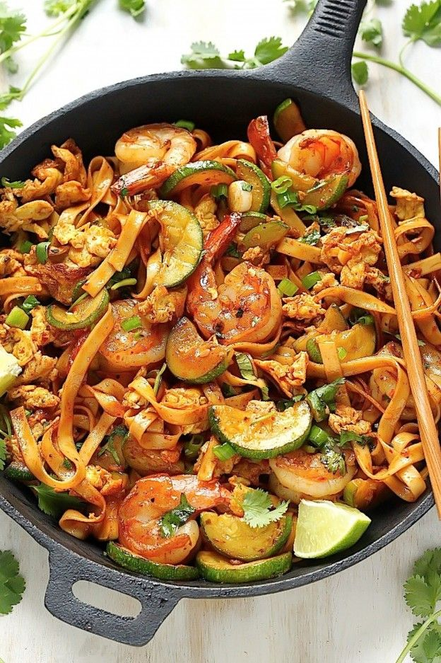 Sunday Suppers: 20-Minute Spicy Sriracha Shrimp and Zucchini Lo Mein
