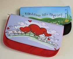Add a photo, picture or text to a cosmetic bag