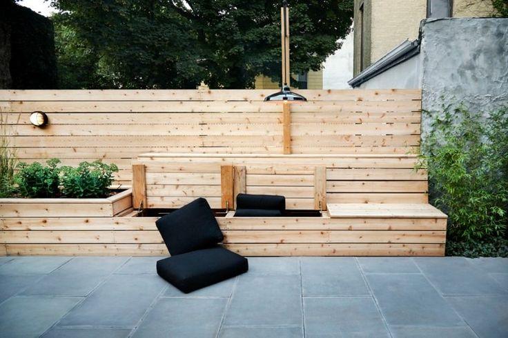 Banc de jardin en palettes de bois
