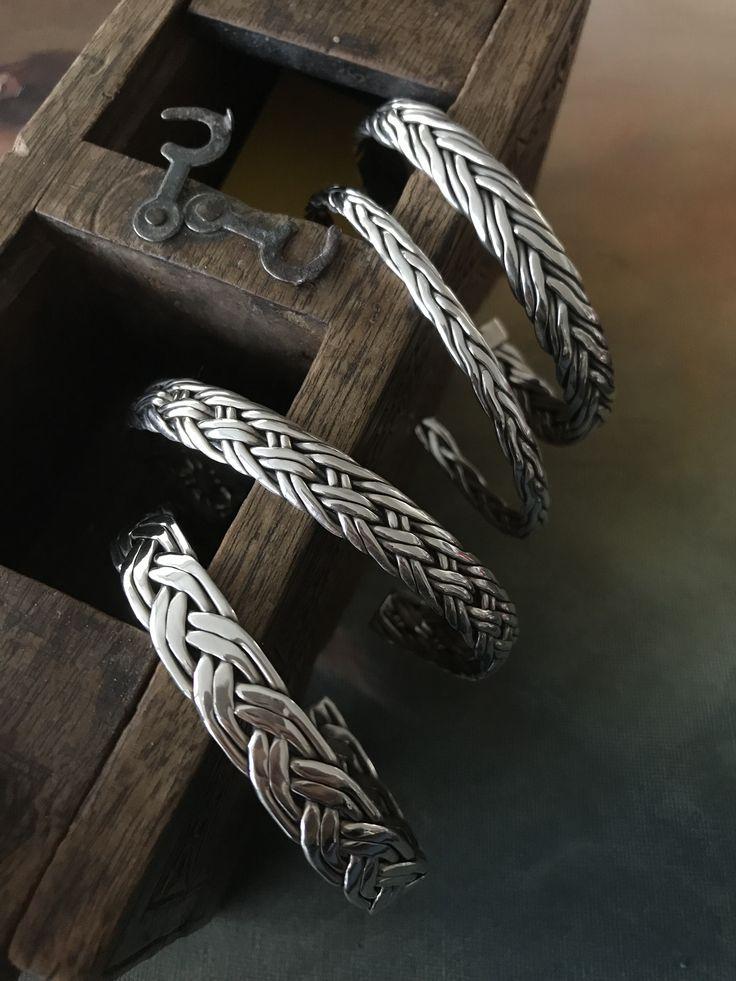 Chain model bracelets
