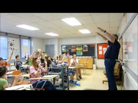 Whole Brain Teaching 5 Step Lesson: Middle School Science...this video is awesome! Not just does it give a good example of Whole Brain Teaching but this teacher has amazing control of his class!