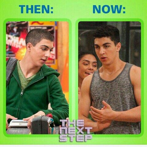 Season 1 James vs Season 3 James OMG I'm dying