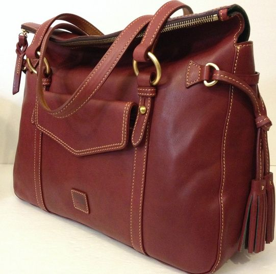 Beautiful leather bag for mens
