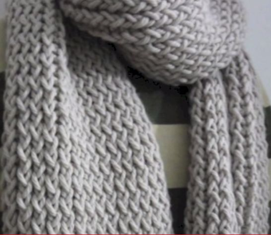 Rectangular Loom Knitting Patterns : 17 Best ideas about Loom Knitting Scarf on Pinterest Loom knitting, Loom kn...