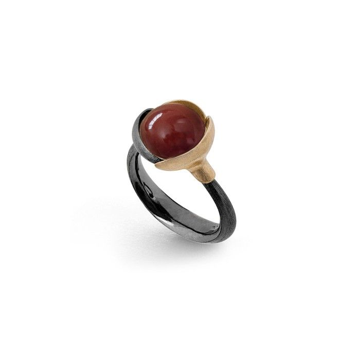 Lotus ring in gold and silver with carnelian