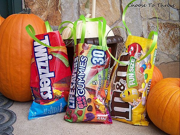 Upcycled candy bags...from candy bags.  Genius!Halloween Treat Bags, Gift Bags, Bags From Candies, Candies Bags From, Upcycling Candies, Halloween Bags, Bagsfrom Candies, Candies Bagsfrom, Halloween Treats Bags