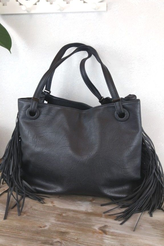 9573702dd6 Τσάντα ώμου κρόσια μαύρη  Cleveland