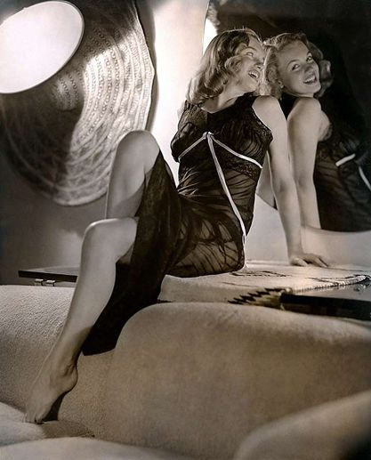 A young Marilyn Monroe as photgraphed by Moran C.1948