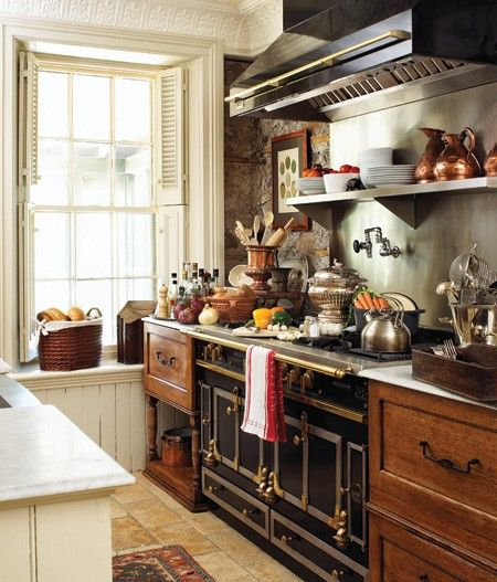 <3: Kitchens Interiors, Decor, Dreams Kitchens, Kitchens Design, Kitchens Ideas, Old World Charms, Stoves, Design Kitchens, Country Kitchens