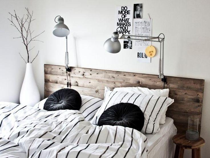 tête de lit en bois patiné à faire soi-même pour apporter une touche rustique dans la chambre d'adulte