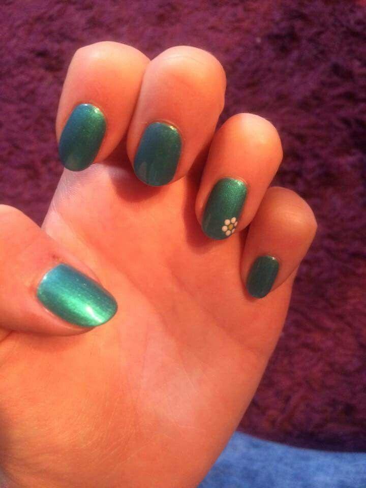 Summer holiday nails