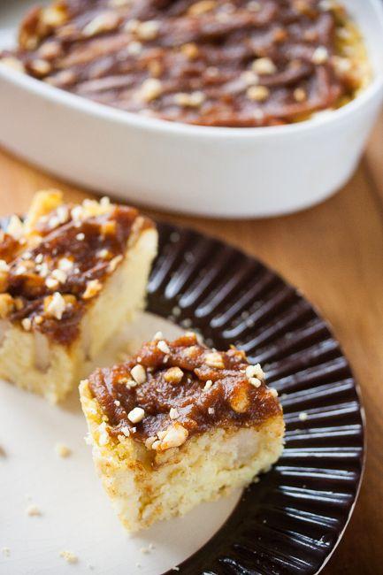 Zapiekanka jaglana z gruszkami i sosem daktylowym | erVegan - kuchnia roślinna