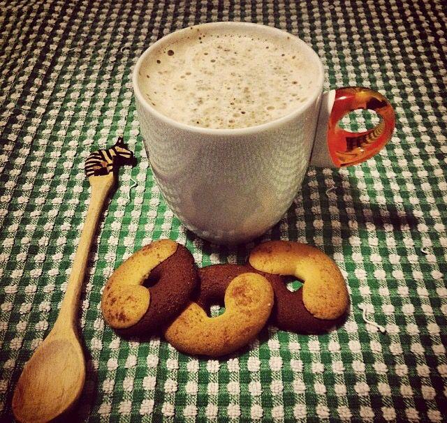 I love breakfast ,cappuccino,  good morning, cookies, colazione, abbracci