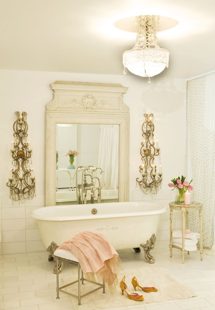 Best 10 romantic bathrooms ideas on pinterest country for Romantic bathroom designs for couples