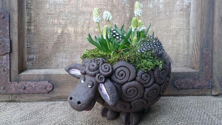 Schwarzes Schaf  von Landei-Keramik auf DaWanda.com                                                                                                                                                                                 Mehr
