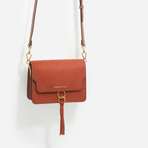 Brick Tassel-Detail Shoulder Bag | CHARLES & KEITH