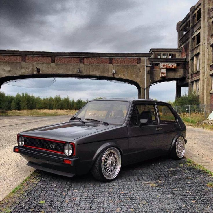 Volkswagen Golf GTi looking sturdy.