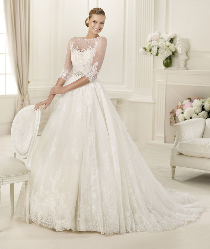 Scoop Neck Floral Lace Trimmed Tulle overlay Satin A-line Wedding Dress _1