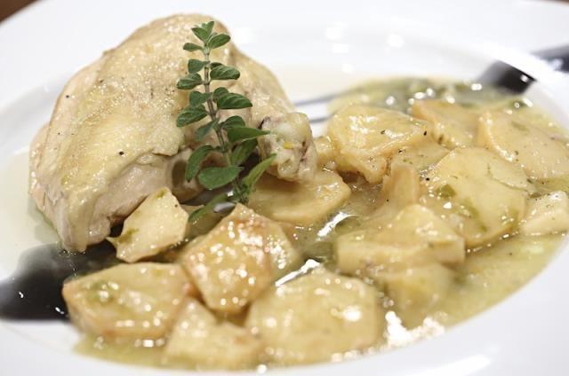 Μαγειρεύω Οικονομικά / Συνταγές / Λεμονάτο κοτόπουλο στην κατσαρόλα