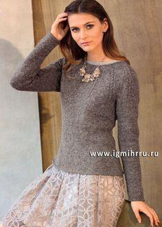 Стильный минимализм!  Серо-розовый пуловер с круглой кокеткой. Спицы
