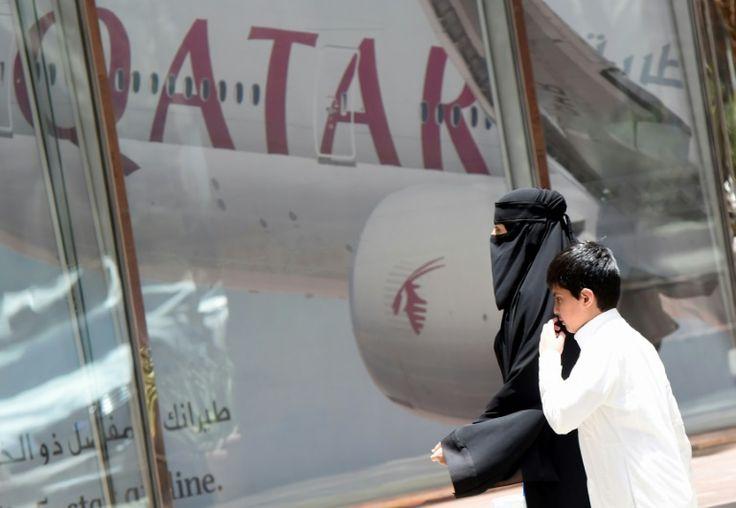 Arab states cut Qatar ties in major diplomatic crisis