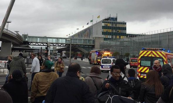 BREAKING: Paris Orly airport on lockdown as man shot dead inside terminal - https://newsexplored.co.uk/breaking-paris-orly-airport-on-lockdown-as-man-shot-dead-inside-terminal/