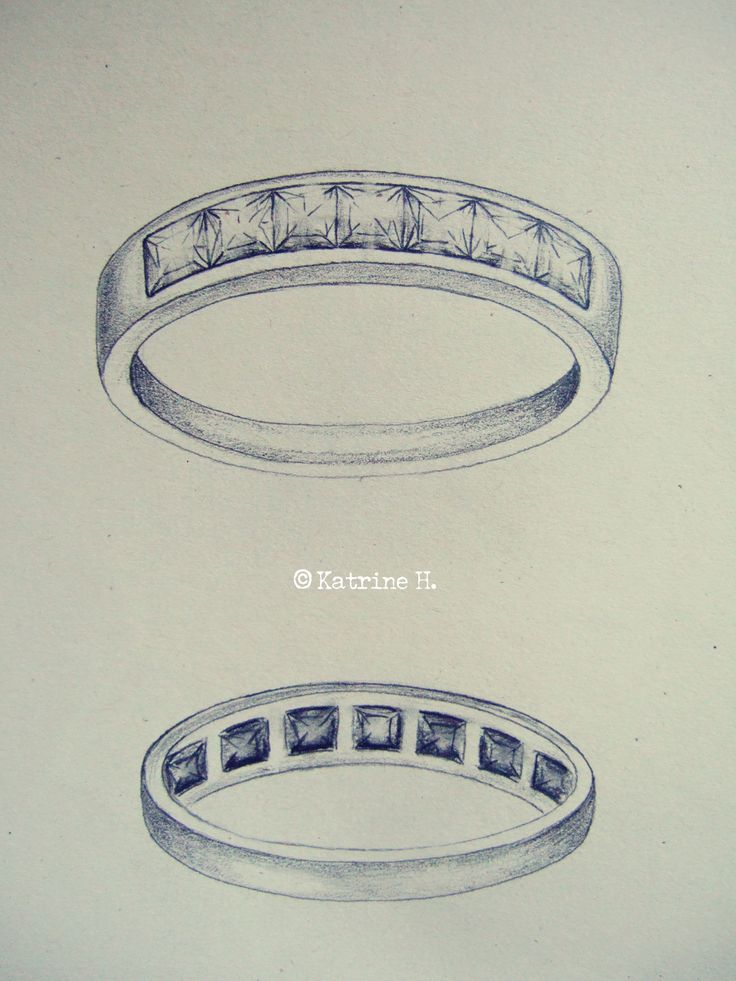 Ring with 7 diamonds
